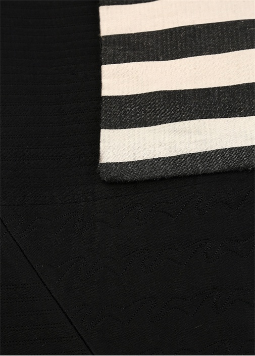 Siyah Krem Çizgili İpek Yatak Örtüsü