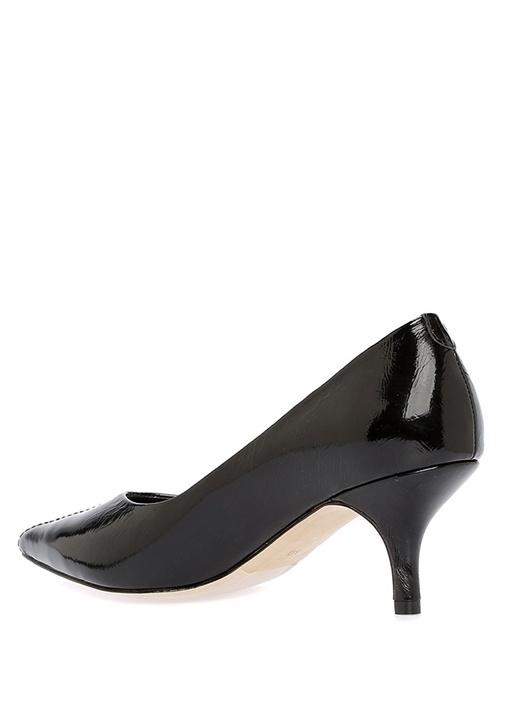 Siyah Dekoratif Dikiş Detaylı Kadın Rugan Ayakkabı