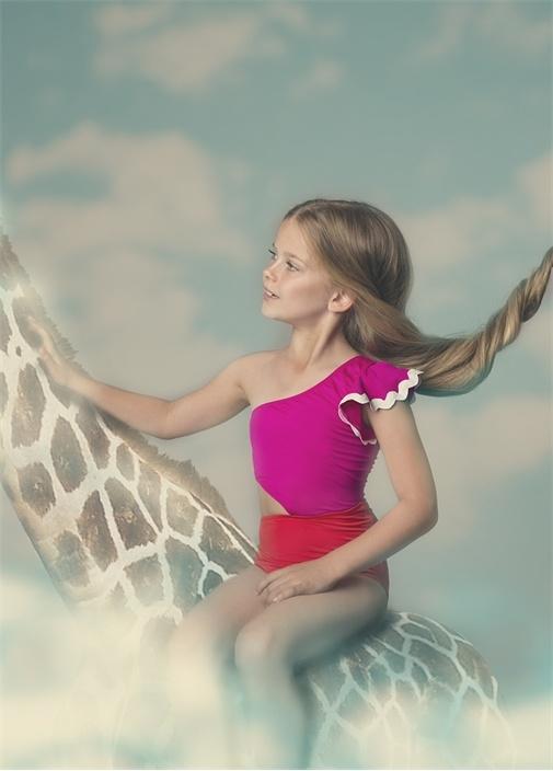 Freesia Pembe Kırmızı Volan Kız Çocuk Mayo