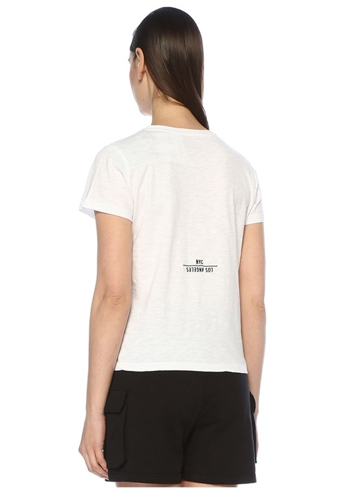 Nyla Beyaz Arkası Nakış Detaylı T-shirt
