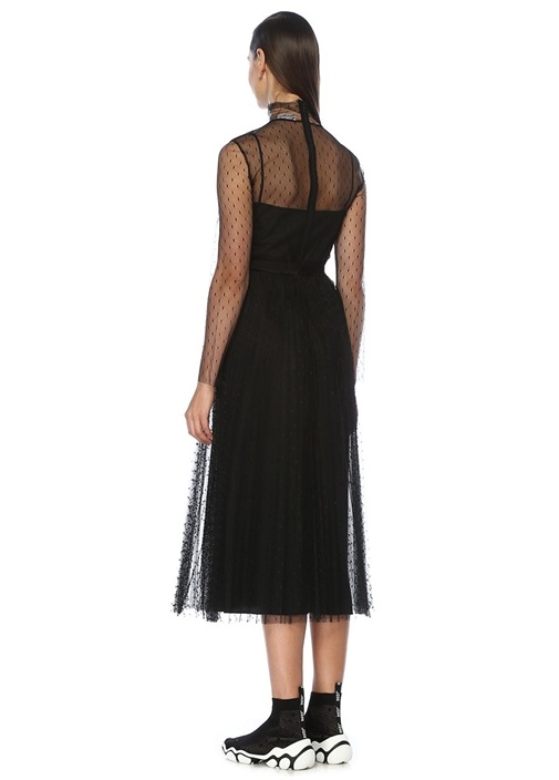 Siyah Pileli Kuşaklı Uzun Kol Midi Tül Elbise