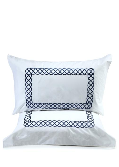 Beyaz Geometrik Nakışlı 2li Yastık Kılıfı