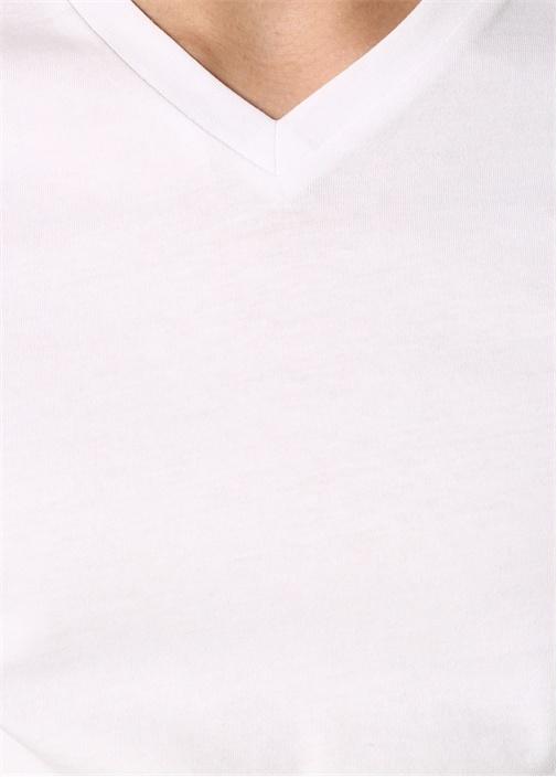 V Yaka Standart Fit Beyaz Tshirt