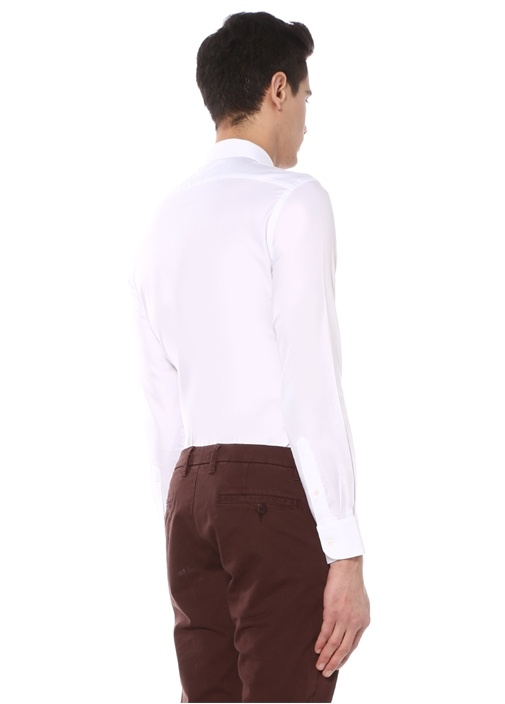 Custom Fit Beyaz Modern Yaka Dokulu Gömlek