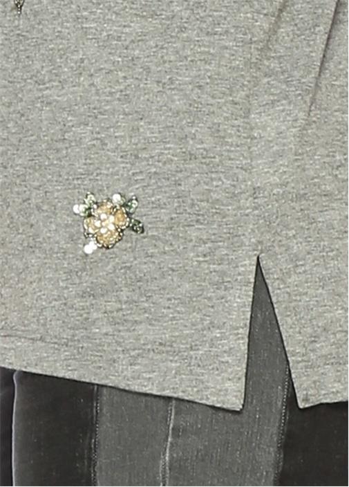 Gri Çiçek Taş İşlemeli V Yaka Tshirt