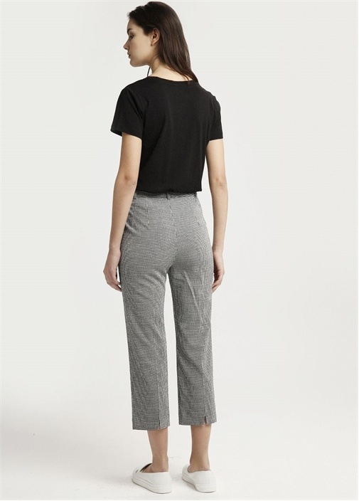 Siyah Paça Ucu Yırtmaçlı Yüksek Bel Pantolon
