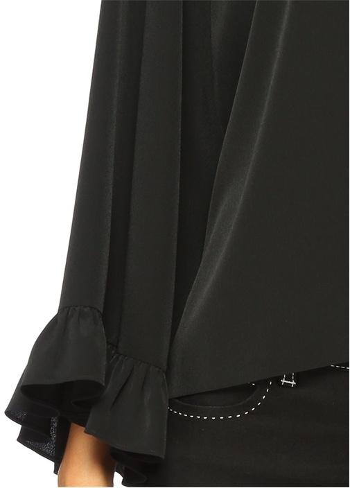 Siyah Kolları Volanlı Krep Bluz