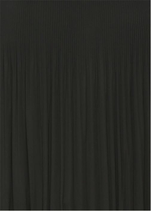 Siyah Kolsuz Pliseli Şifon Bluz