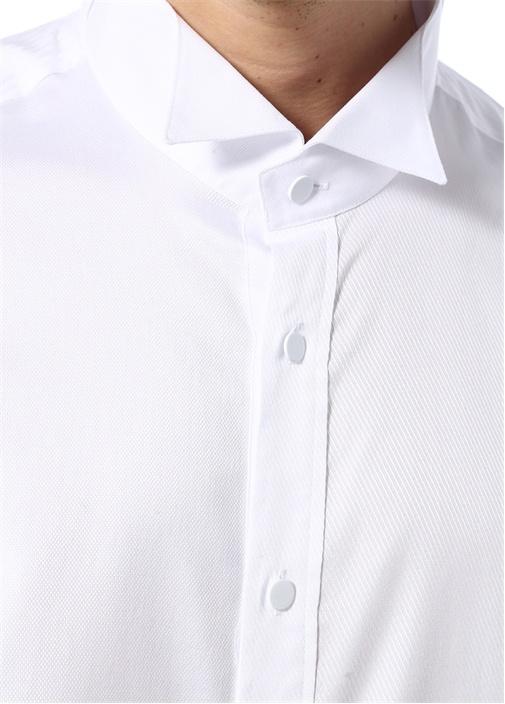 Beyaz Dokulu Metal Düğmeli Smokin Gömleği