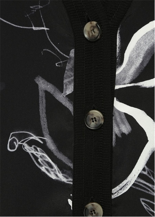 Siyah İpek Garnili Gül Desenli Düğmeli Hırka