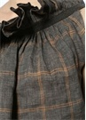 Gri Tek Omuzlu Fırfırlı Ekoseli Keten Bluz