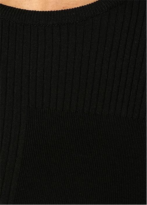 Siyah Kolu Kesik Detaylı Kazak