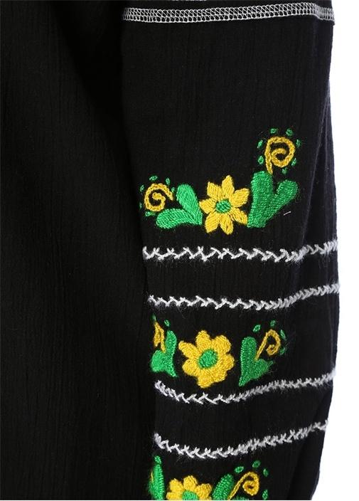 Siyah Çiçek Nakışlı Bluz