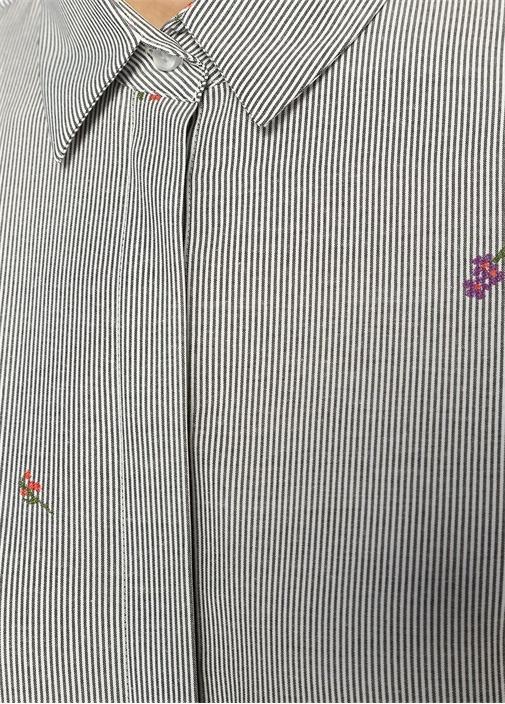 Mavi Beyaz Çizgili Çiçek Jakarlı Gömlek