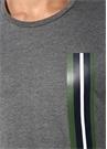 Gri Şerit Baskı Detaylı T-shirt