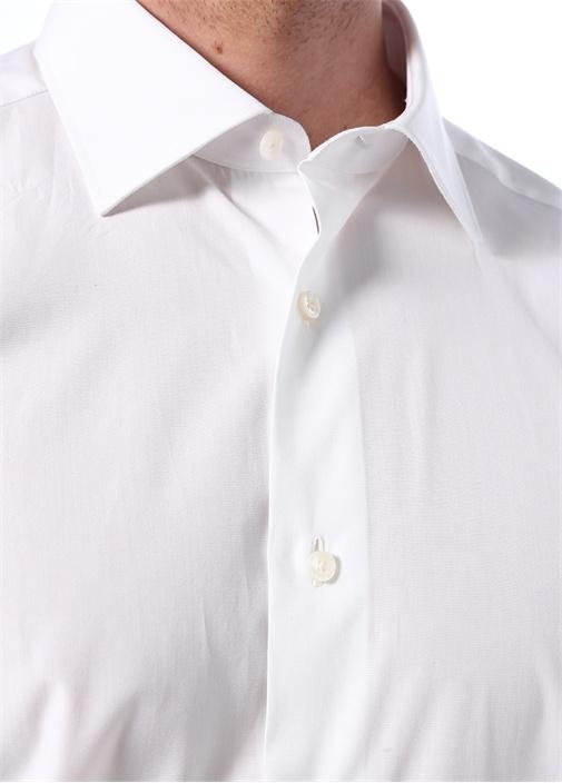 Beyaz İngiliz Yaka Düğme Kapatmalı Gömlek