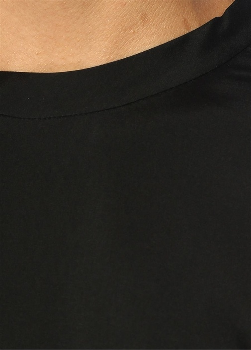 Siyah Bisiklet Yaka Kolları Zincirli İpek Bluz