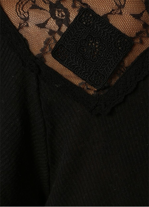 Siyah Dik Yaka Düğmeli Dantelli Keten Bluz