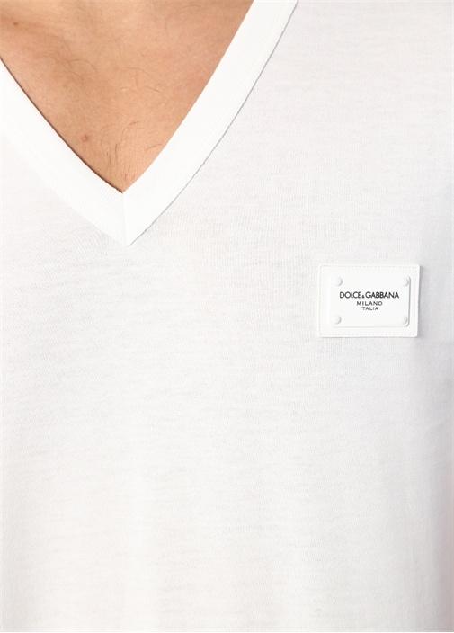 Beyaz V Yaka Logolu Basic T-shirt