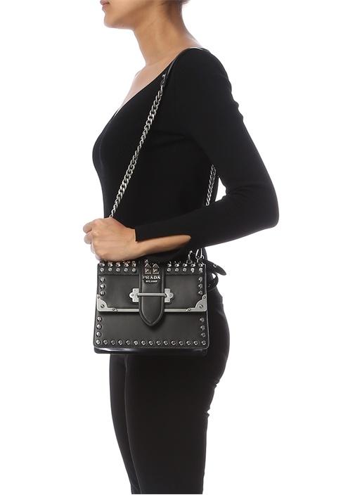 Siyah Troklu Logolu Kadın Deri Çanta