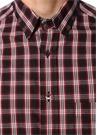 Kırmızı Siyah Düğmeli Yaka Ekoseli Gömlek