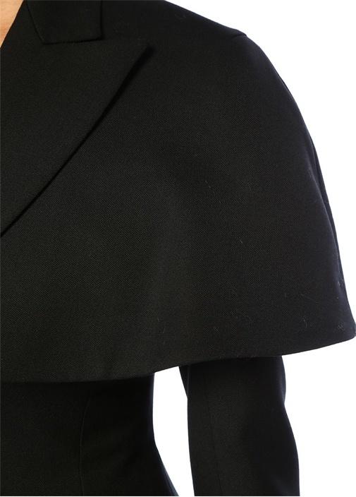 Siyah Kırlangıç Yaka Kat Detaylı Yün Ceket
