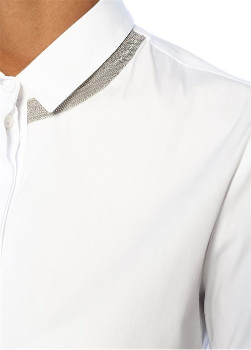 Yakası Zincir Detaylı Gizli Düğmeli Gömlek