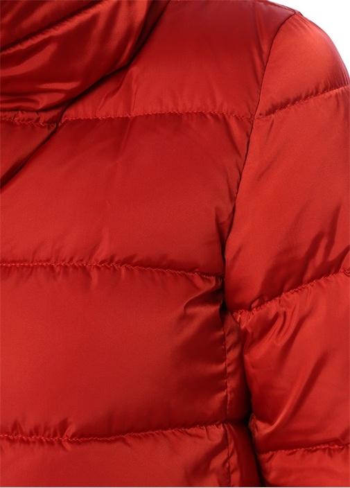 Kırmızı Suni Kürk Detaylı Dik Yaka Puf Mont