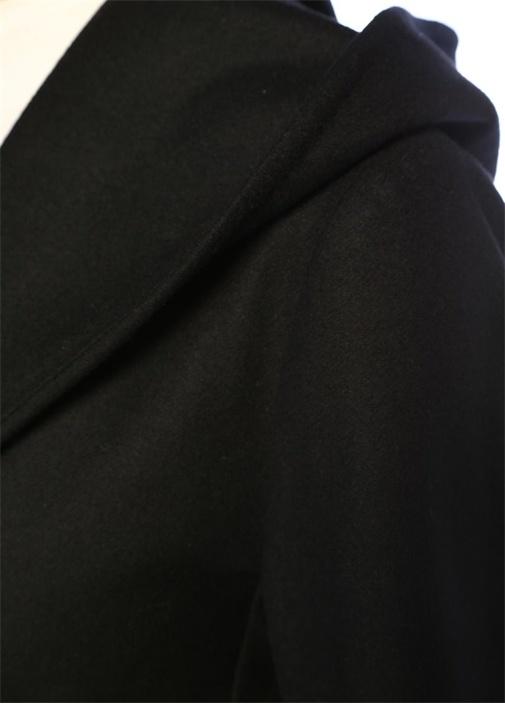 Siyah Kapüşonlu Beli Kuşaklı Yün Kaban
