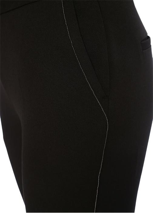 Siyah Zincir Şerit Detaylı Dar Paça Pantolon
