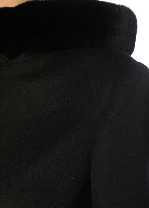 Siyah Suni Kürk Detaylı Kapüşonlu Kaban