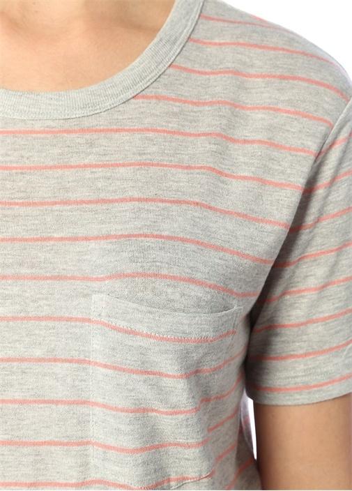 Gri Pembe İnce Çizgili Cep Detaylı T-shirt