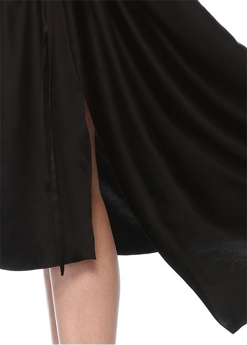 Siyah Volanlı Beli Büzgülü Midi İpek Saten Elbise