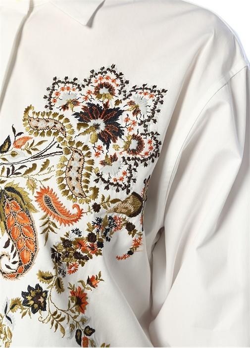Beyaz Etnik Nakış Detaylı İngiliz Yaka Gömlek