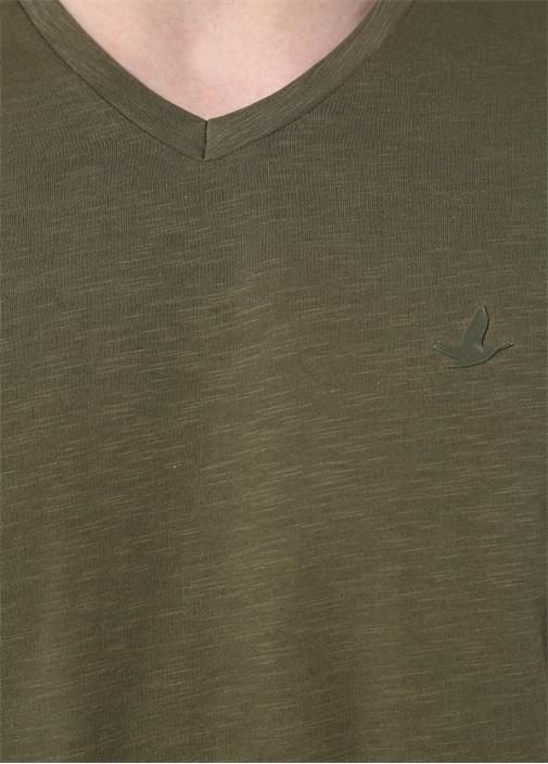 Haki V Yaka Logolu T-shirt