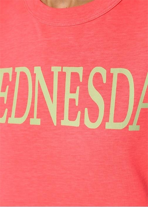 Rainbow Week Pembe Wednesday Baskılı T-shirt