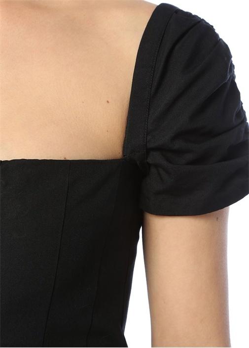 Siyah Kare Yaka Önü Yırtmaçlı Midi Elbise