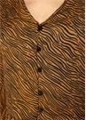 Kahverengi V Yaka Zebra Desenli VolanlıGömlek