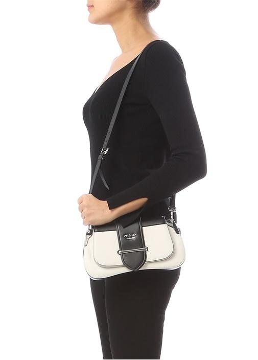 Pattina Siyah Beyaz Logolu Kadın Deri Omuz Çantası