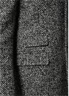 Siyah Beyaz Balıksırtı Desenli Yün Palto