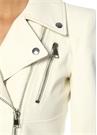 Beyaz Kelebek Yaka Peplum Detaylı Deri Ceket