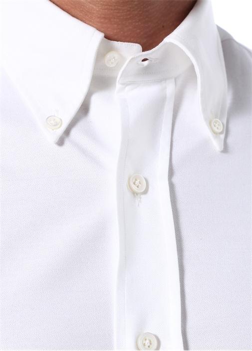 Beyaz Düğmeli Yaka Dokulu Gömlek