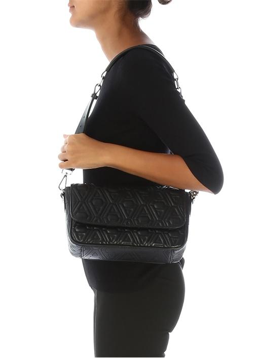Siyah Logo Kabartmalı Kadın Deri Omuz Çantası