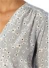 Lila V Yaka Papatya Desenli Gömlek