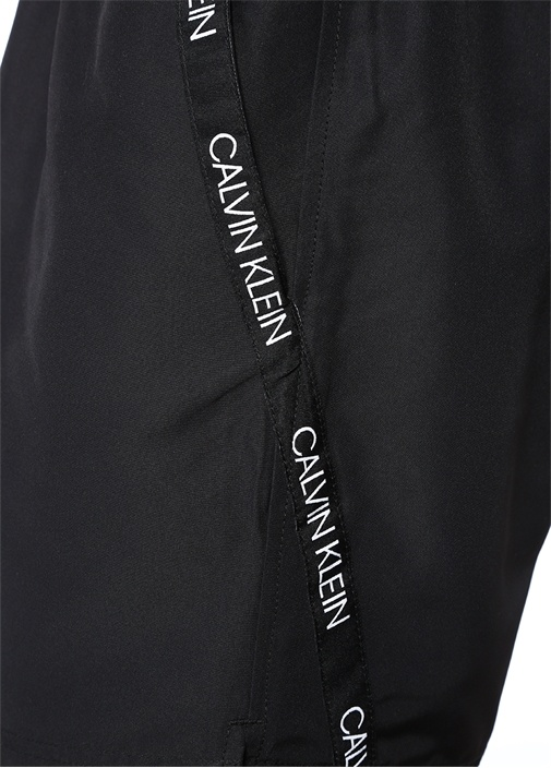 Siyah Kontrast Şerit Logolu Mayo