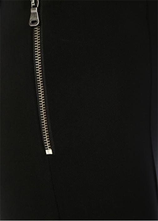 Siyah Yanı Fermuar Detaylı Dar Paça Pantolon