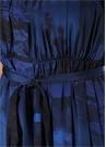 Mavi V Yaka Desenli Beli Kuşaklı Midi İpek Elbise