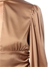 Nude Dik Yaka Bağcıklı Dekolte Detaylı Saten Bluz