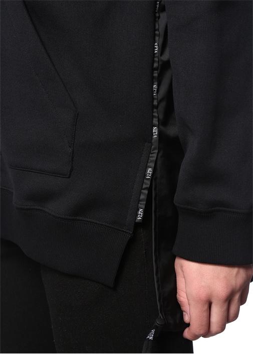 Siyah Kapüşonlu Logolu Garni Detaylı Sweatshirt