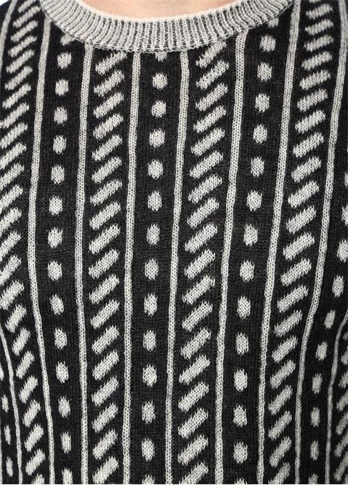 Siyah Gri Geometrik Desenli Yün Kazak